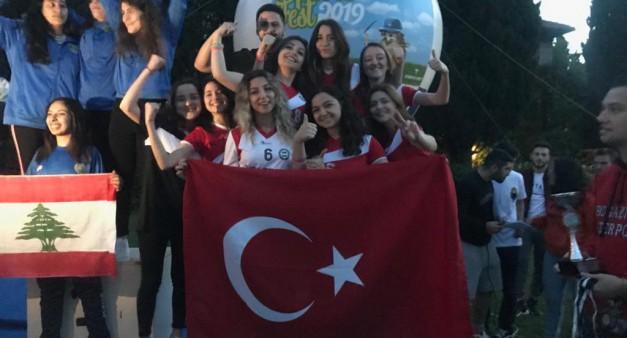Kadın Futsal Takımımız'dan 39. Boğaziçi Sports Fest'te 3.'lük Derecesi